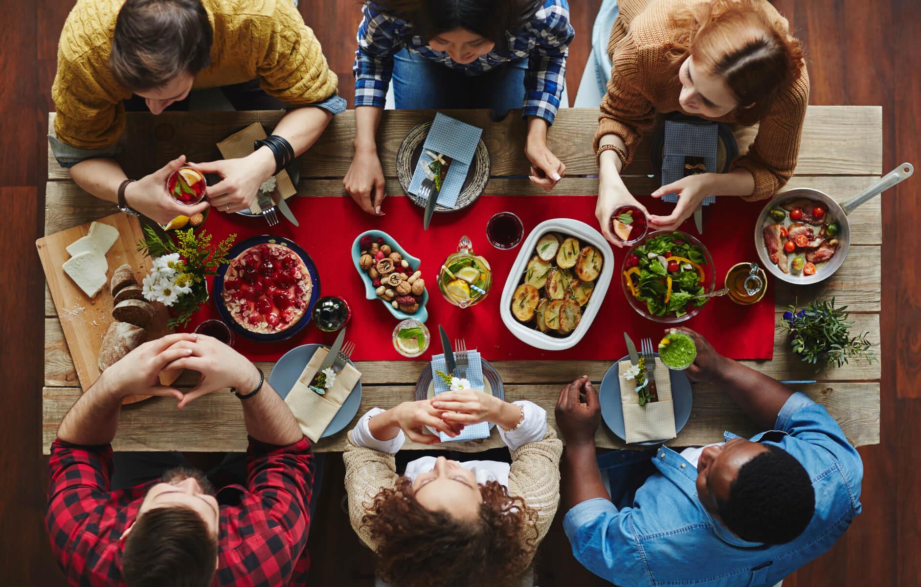 картинки ужин с друзьями учреждения предлагают